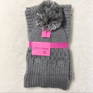 BetseyJohnson NWT Snood Toque Scarf Grey Knit Pear